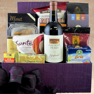 Connoisseur's Choice Wine Gift Basket