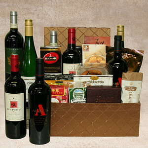 International Collection Wine Gift Basket