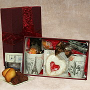 Paris Cafe Gift Basket