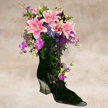 Custom floral arrangement created for a Hollywood Shoe Designer
